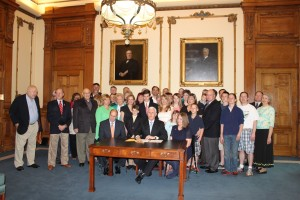 Governor Pence signs anti-Common Core bill into law